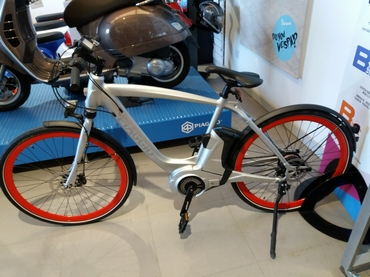 Christmas Special Offer - Piaggio Wi-Bike Active Plus matt aluminium