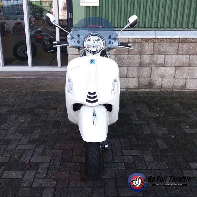 Vespa GTS300 cc HPE Super MY'19 Ex demonstrator 2019 - SOLD