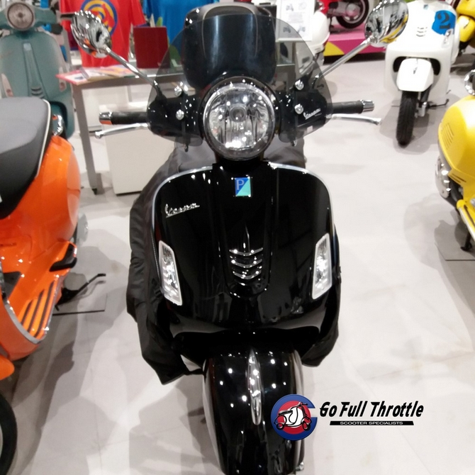 Vespa GTS300 cc Super Ex demonstrator 2017 - SOLD