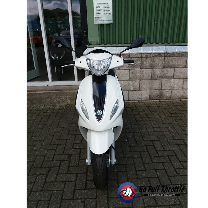 Pre Registered Piaggio Fly 125 cc 3V 2016 - SOLD
