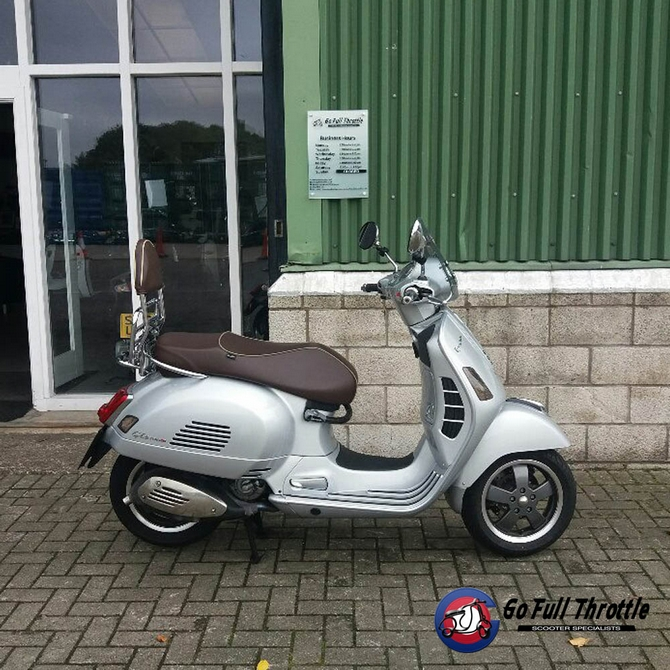 Pre-loved Vespa GTS 300 70th anniversary Special Limited Edition